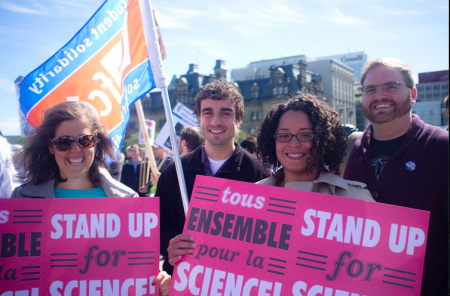 Stand Up for Science rally in Ottawa. Photo by UO GSAÉD